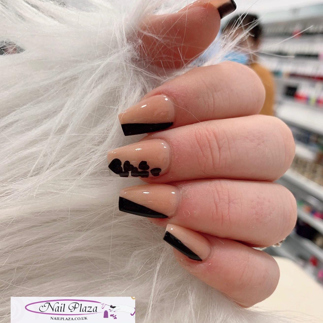 nail-plaza-twickenham-nail-design-061120-10