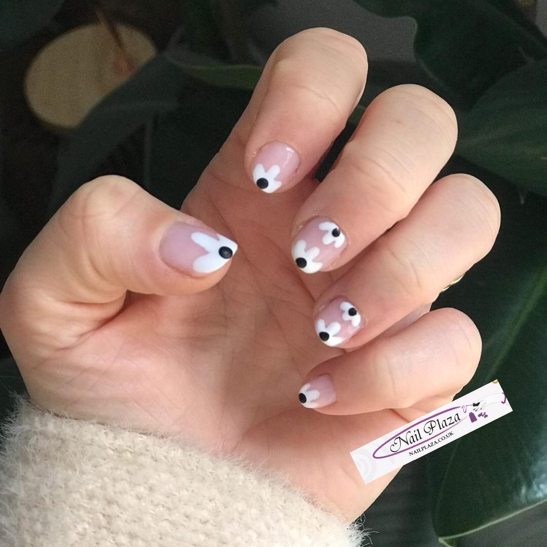 nail-plaza-twickenham-nail-design-061120-2