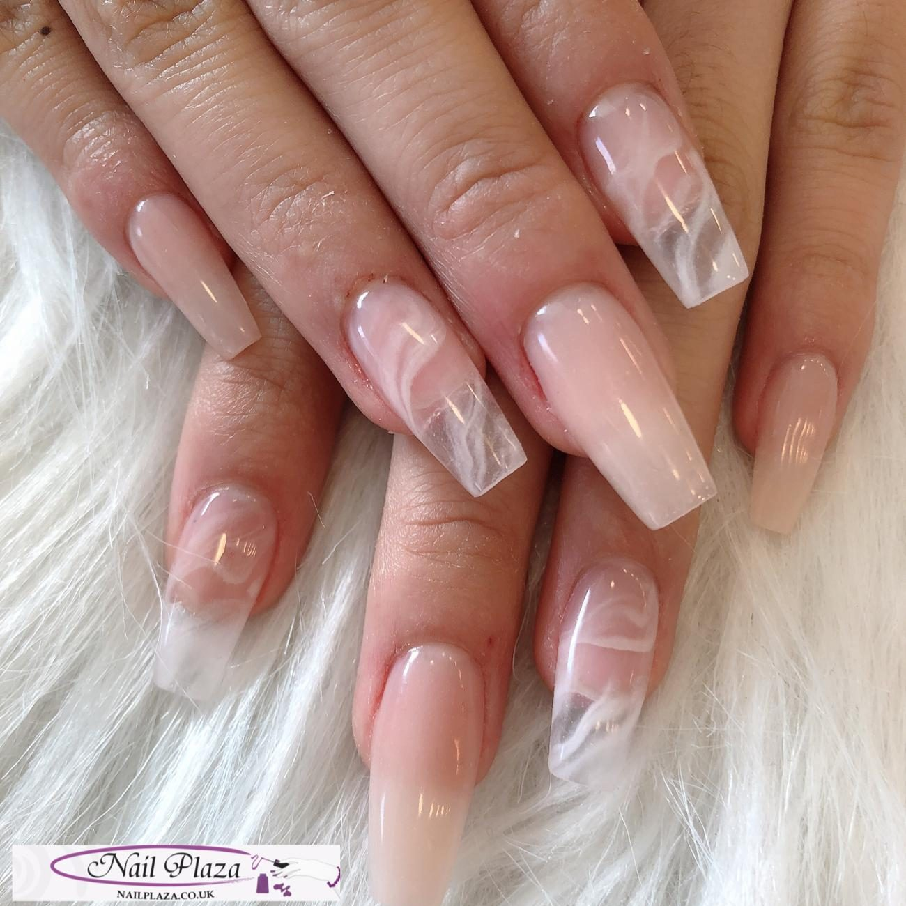 nail-plaza-twickenham-nail-design-061120-4