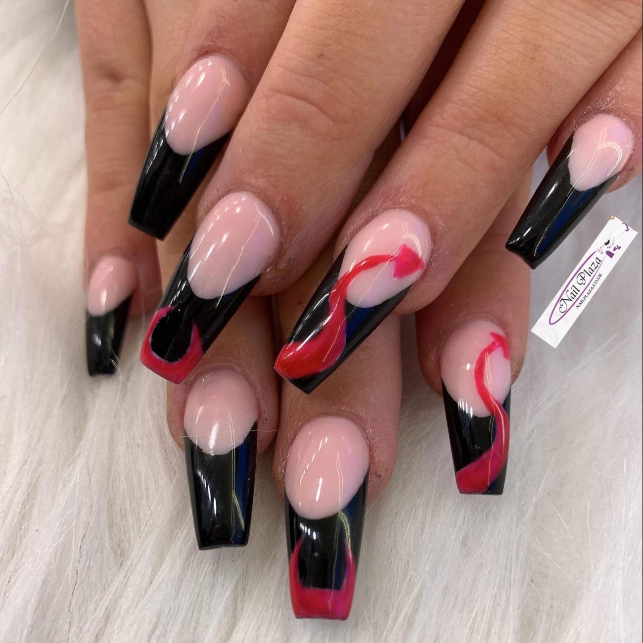 nail-plaza-twickenham-nail-design-061120-7