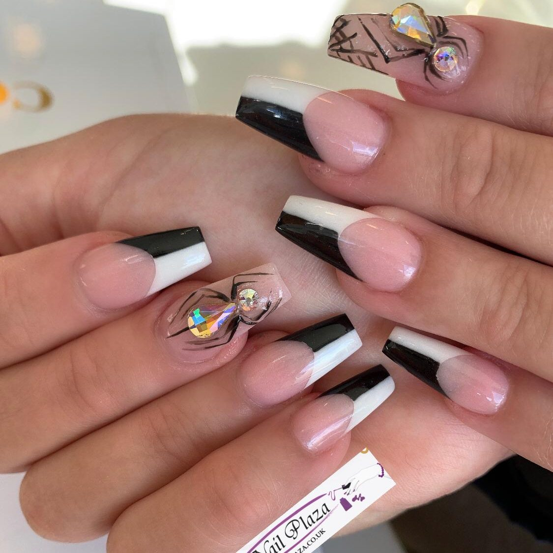 nail-plaza-twickenham-nail-design-061120-8